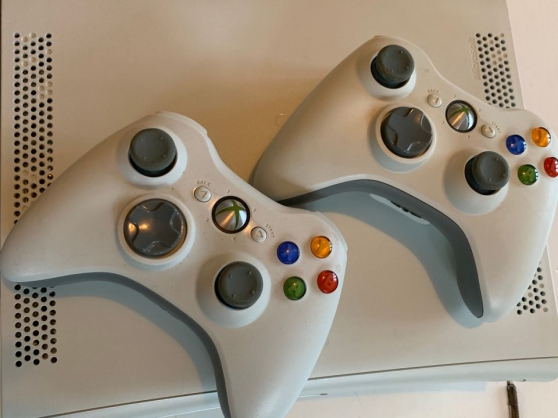 Xbox 360 couleur blanche 12 jeux