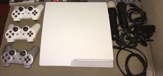 PS3 blanche slim 500go 17 jeux 2 manette