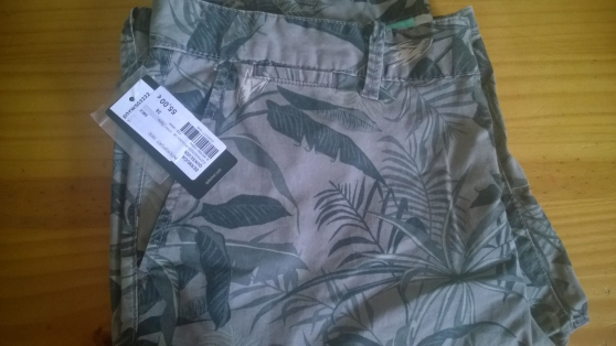 Bermuda neuf homme taille 36 Quiksilver - Photo 2