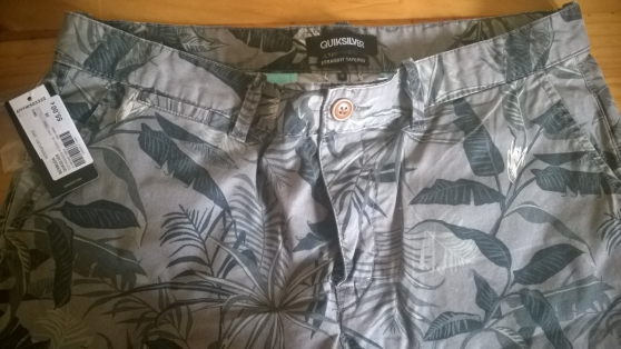 Bermuda neuf homme taille 36 Quiksilver - Photo 4