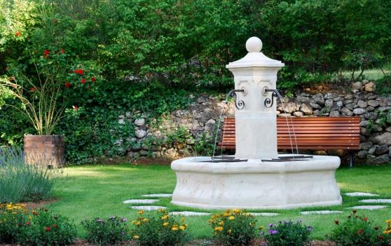 fontaine centrale de jardin en pierre re - Annonce gratuite marche.fr
