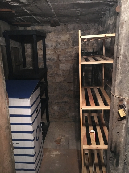 Cave 2,5 m2 proche La Motte-Picquet Gre