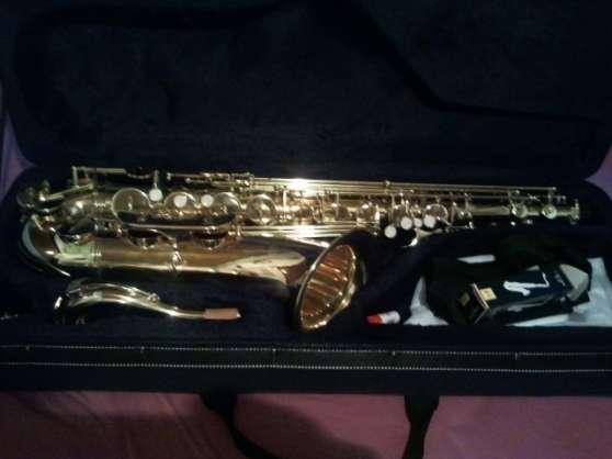 Saxophone tenor roy benson