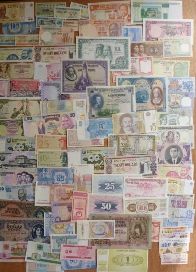 Annonce occasion, vente ou achat 'lot de 300 billets du monde cote enorme'