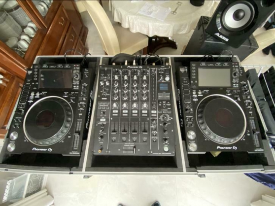 Annonce occasion, vente ou achat '2 CDJ 2000 nxs2 + DJM 900 nxs2 &. Flight'