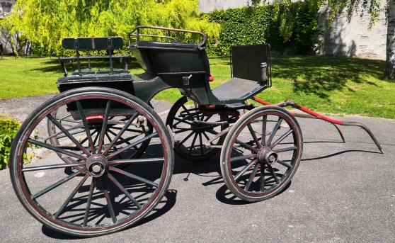Annonce occasion, vente ou achat 'Calèche ancienne 4 roues'