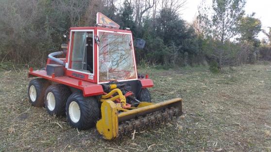 Petite Annonce : Tracteur de pente  débroussailleur - Tracteur débroussailleur de pente et alpages PONCIN VP 5000