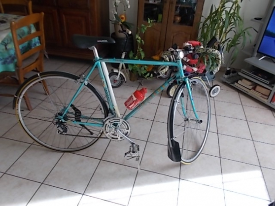 lot de 2 vélos de course peugeot vintage