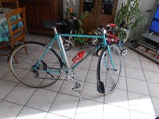 lot de 2 vélos de course peugeot vintage - Annonce gratuite marche.fr
