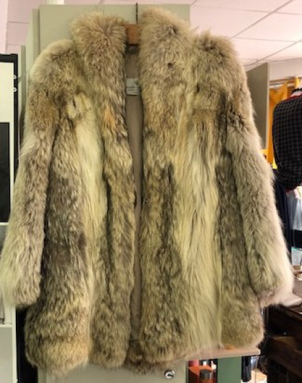 Annonce occasion, vente ou achat 'Veste en loup'