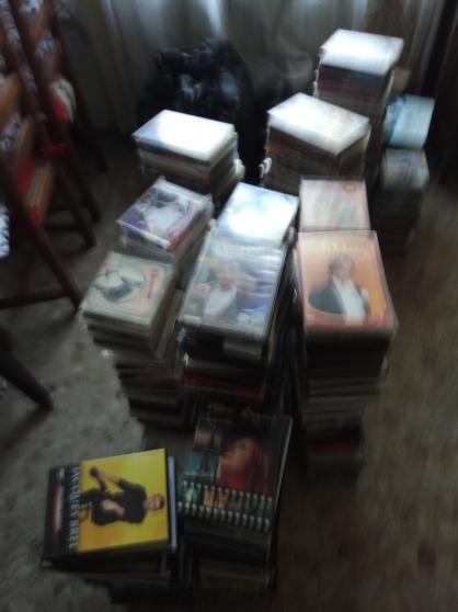 Annonce occasion, vente ou achat 'Gros lot de 360 dvds, & cds (urgent)'