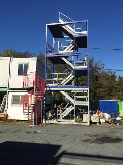 containers et bungalows d 39 occasion mat riaux de construction baraques de chantier arpajon. Black Bedroom Furniture Sets. Home Design Ideas