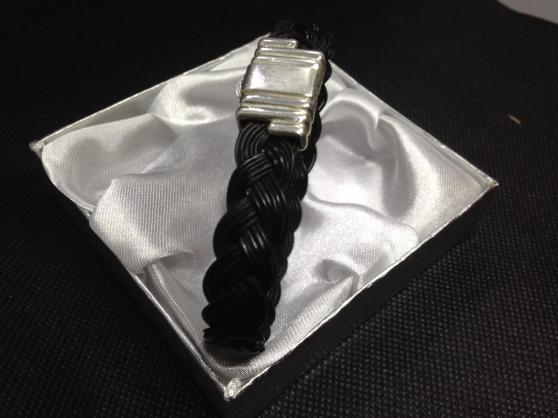 Annonce occasion, vente ou achat 'Bracelet en poil d\'elephant en argent'