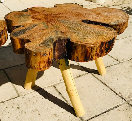 Table en bois brut faite main