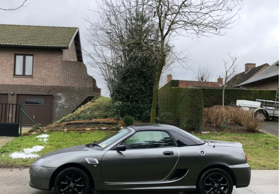 Cabriolet MG TF gris