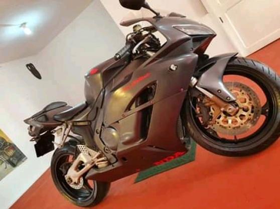 Annonce occasion, vente ou achat 'Honda CBR 1000 RR fireblade'