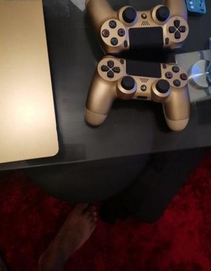 PS4 version limitée GOLD - Photo 2