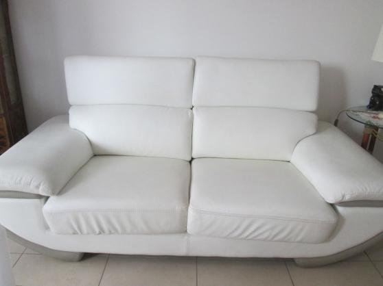 URGENT VENDS Canapé en cuir fixe blanc