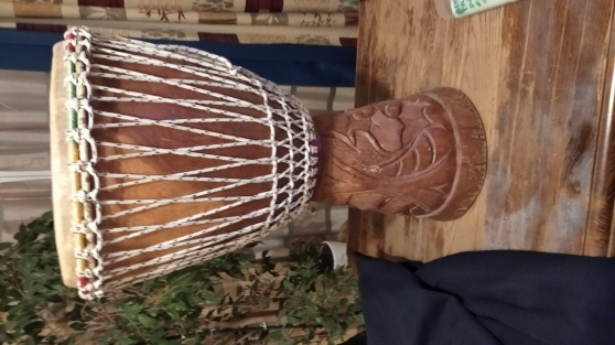 Vend djembe avec housse de transport