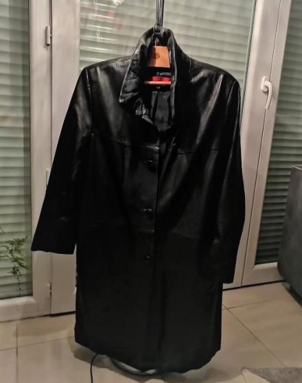 vend jolie manteau en cuir noir