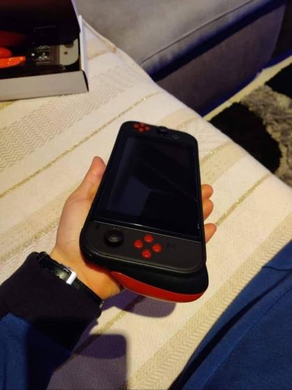 Nintendo Switch 47jeux + accessoires - Photo 2
