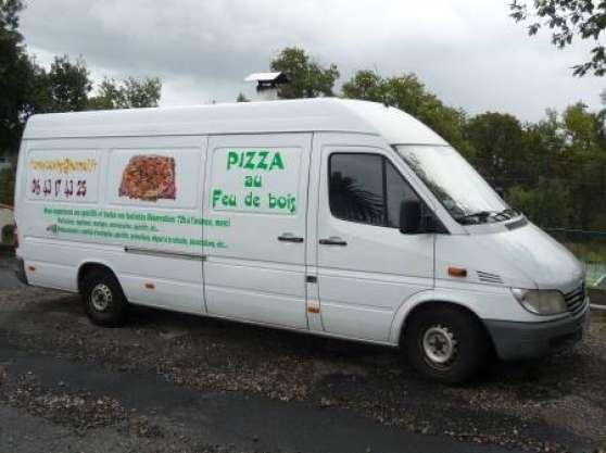camion pizza; feu bois; renault master