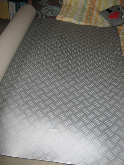 4m de linol um imitation plaque m tal montreuil meubles d coration divers meubles. Black Bedroom Furniture Sets. Home Design Ideas