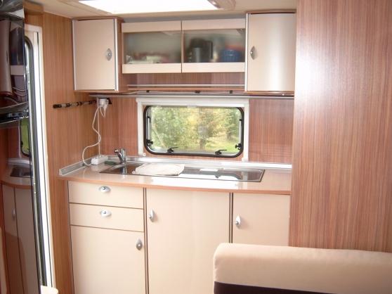 caravane lit central. Black Bedroom Furniture Sets. Home Design Ideas