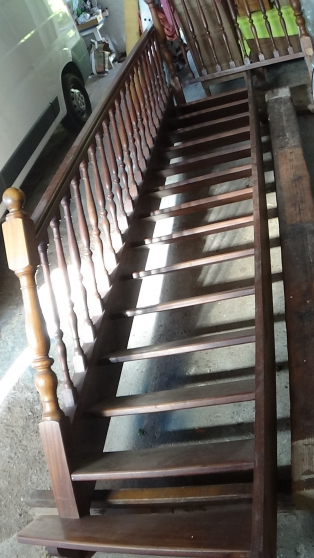 Escalier bois exotique droit