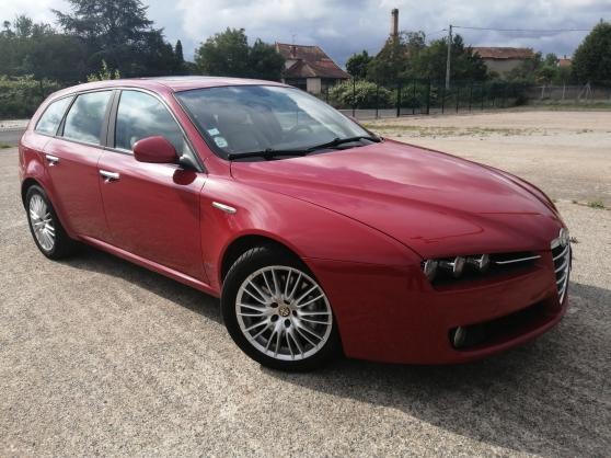Annonce occasion, vente ou achat 'Alfa Roméo 159 2.4 jtdm 210 distinctive'