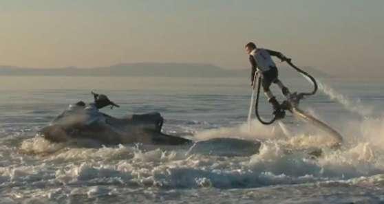 Recherche Moniteur jet ski de juin a sep