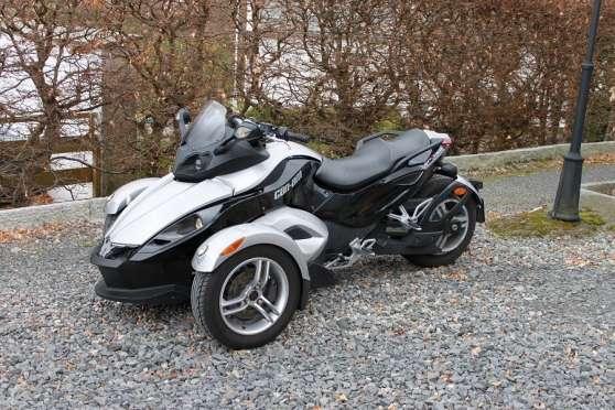 can am can am spyder grenoble moto scooter v lo moto. Black Bedroom Furniture Sets. Home Design Ideas