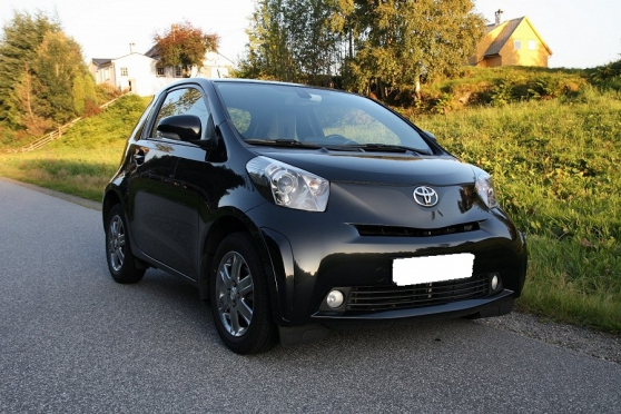 belle Toyota IQ 1.0-Diesel68 ch a 3 ptes