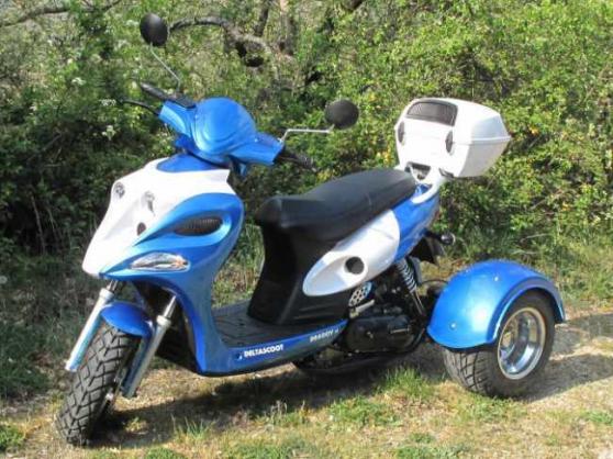 scooter 3 roues sans permis deltascoot moto scooter v lo dons de motos scooters velos. Black Bedroom Furniture Sets. Home Design Ideas