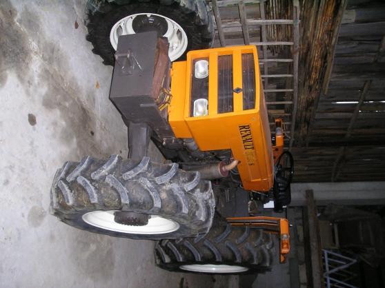 lot de 2 tracteurs renault 55 et 65 cv