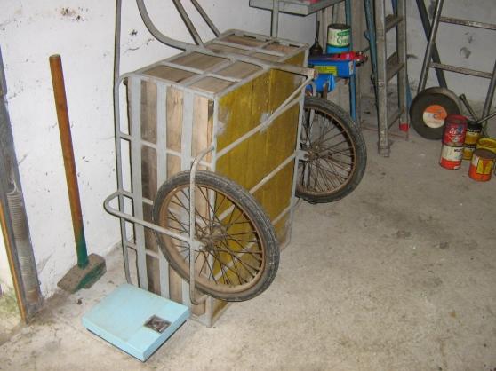 Annonce occasion, vente ou achat 'Charrette acier deux roues gonflables'