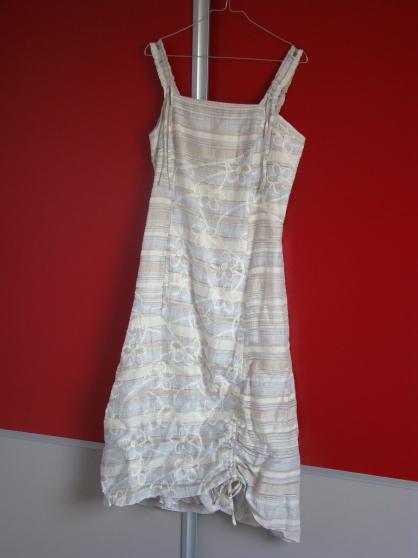 Annonce occasion, vente ou achat 'ensemble robe / veste/ pochette T40'