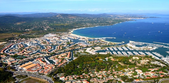 Location place de port 15m00 x 8m00