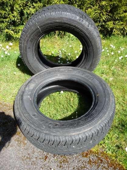 vend 2 pneus 4x4, SUV, DUNLOP 265/65/R17