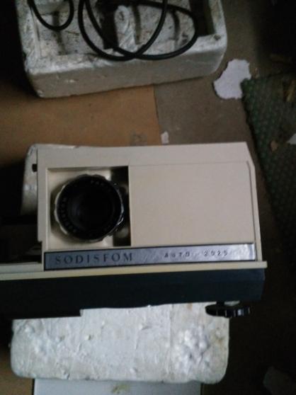 Annonce occasion, vente ou achat 'Projecteur diapo ancien et matériel'