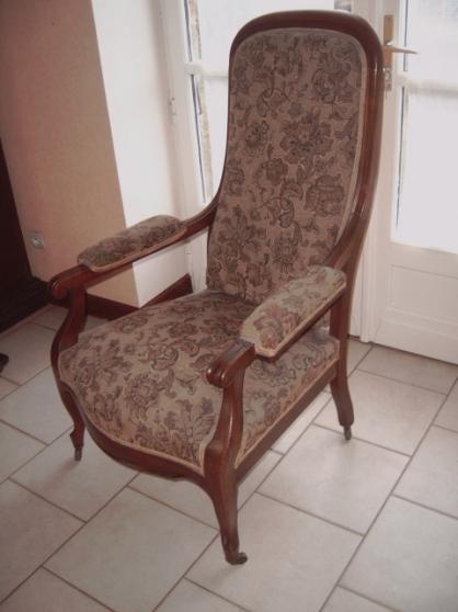 fauteuil voltaire ancien faire un prix meubles d coration chaises fauteuils saran. Black Bedroom Furniture Sets. Home Design Ideas