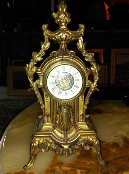 Annonce occasion, vente ou achat 'superbe Pendule ( mercedes )'