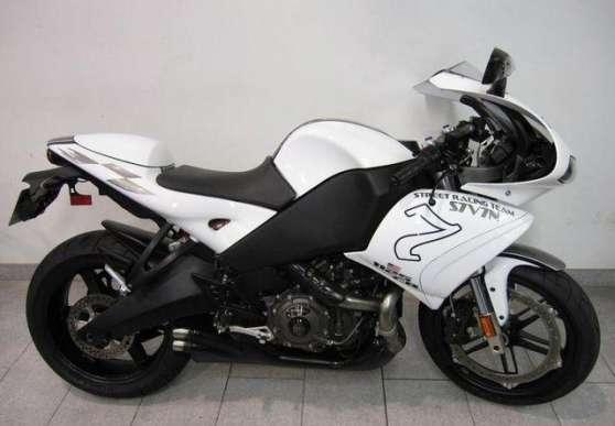moto belle Buell R 1125