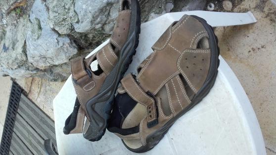 Annonce occasion, vente ou achat 'sandales à scratch homme P43'