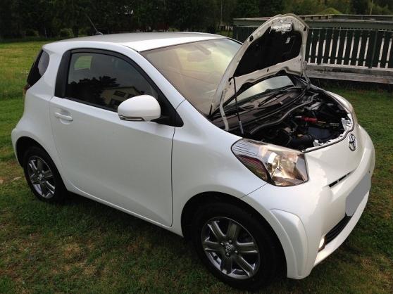 belle Toyota IQ climatique, cuir 68ch,3p