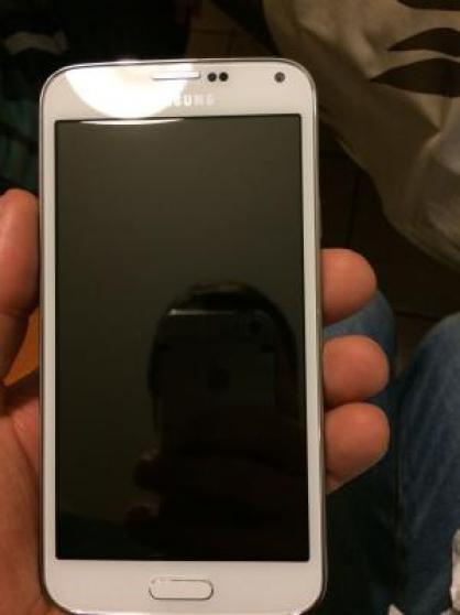 Petite Annonce : Samsung galaxy s5 - Samsung Galaxy S5 480 € Etat :  Objet présentant quelques marques
