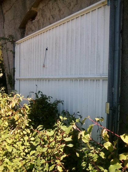 Porte de garage debordante st maximin la ste baume for Garage auto saint maximin la sainte baume