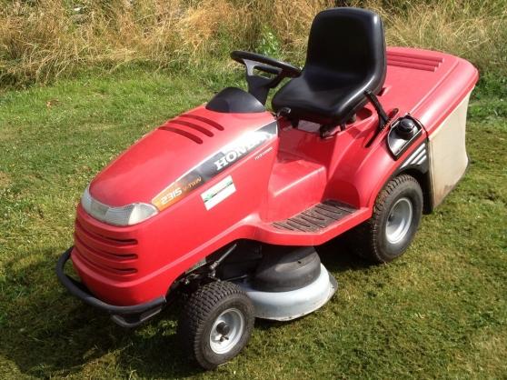 Tracteur tondeuse autoport e honda 2315 jardin nature for Honda jardin 78