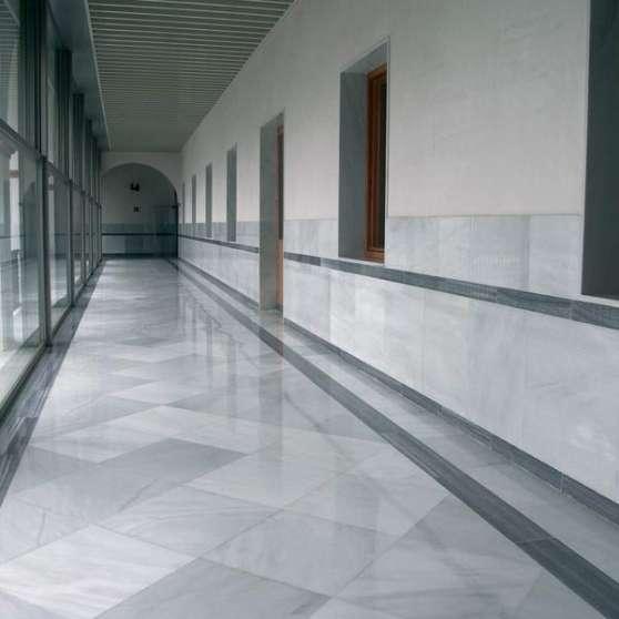 marbre blanc macael en promotion mat riaux de construction sol carreau toulouse reference. Black Bedroom Furniture Sets. Home Design Ideas