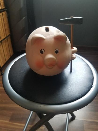Annonce occasion, vente ou achat 'tirelire cochon et son marteau 15 cm'